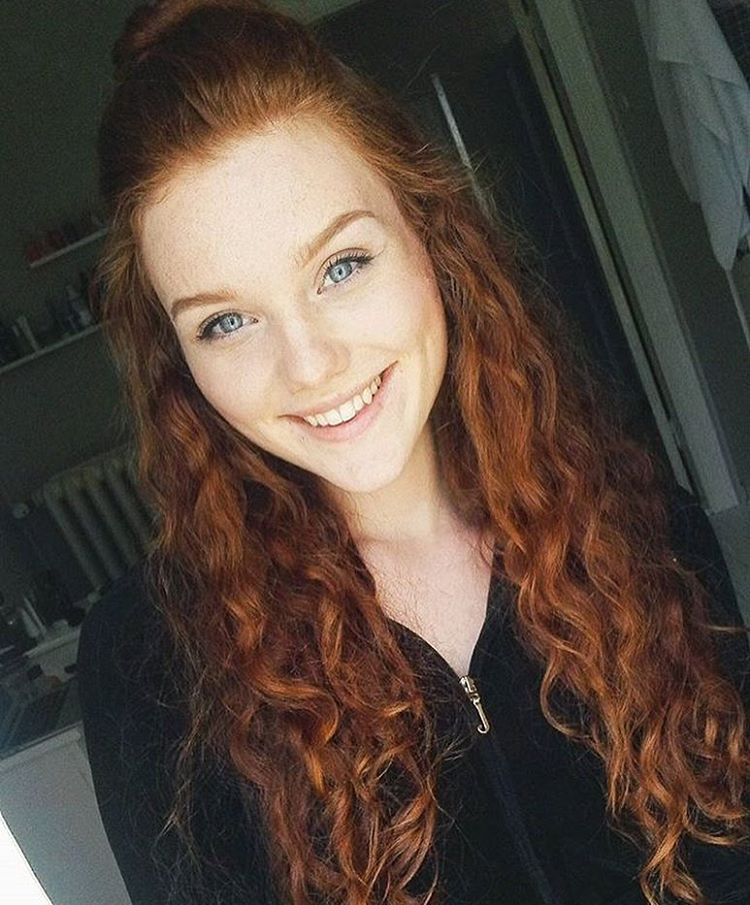 Matildaniilssonn Beauty Hairzz Redhead Ginger Curlyhair Smile