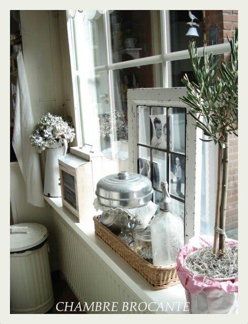 Glas in lood raam en vensterbank voor mij een prachtige for Decoratie vensterbank keuken