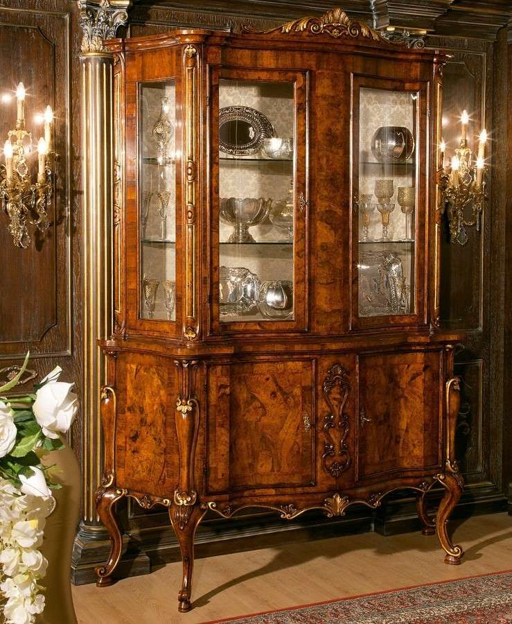 Sala da pranzo stile veneziano - Credenza in stile veneziano ...