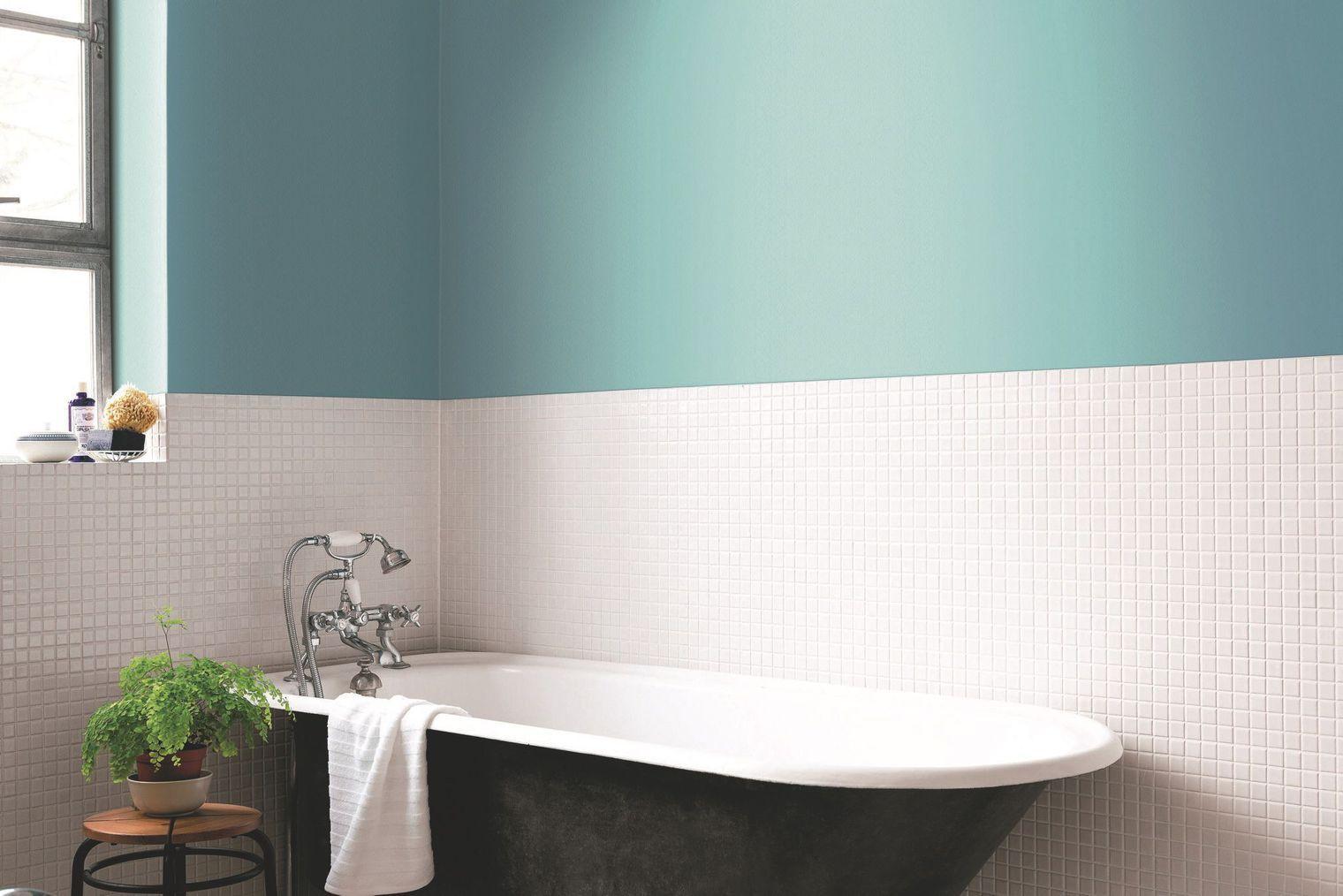 Peinture salle de bains : couleur à éviter | La peinture bleue ...