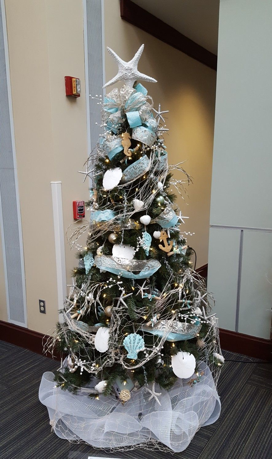 Beach Themed Christmas Tree With Images Christmas Tree Themes