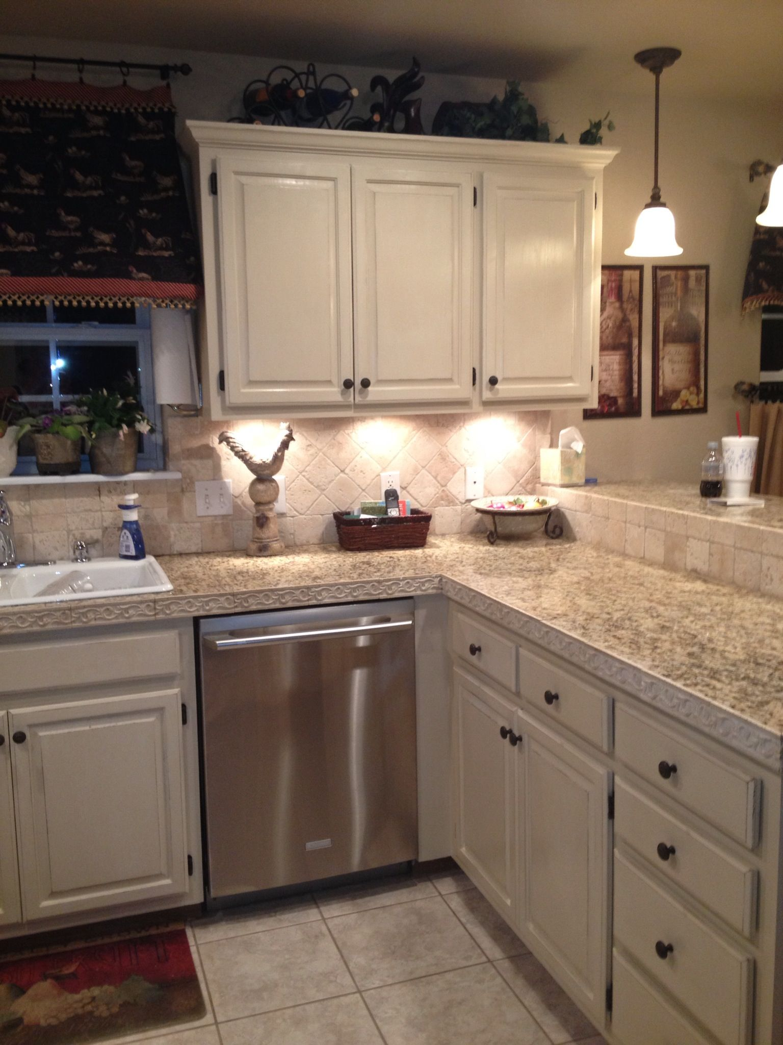 Pin By Crystal Ri On My Projects Kitchen Cabinetry Kitchen Remodel Kitchen Cabinets