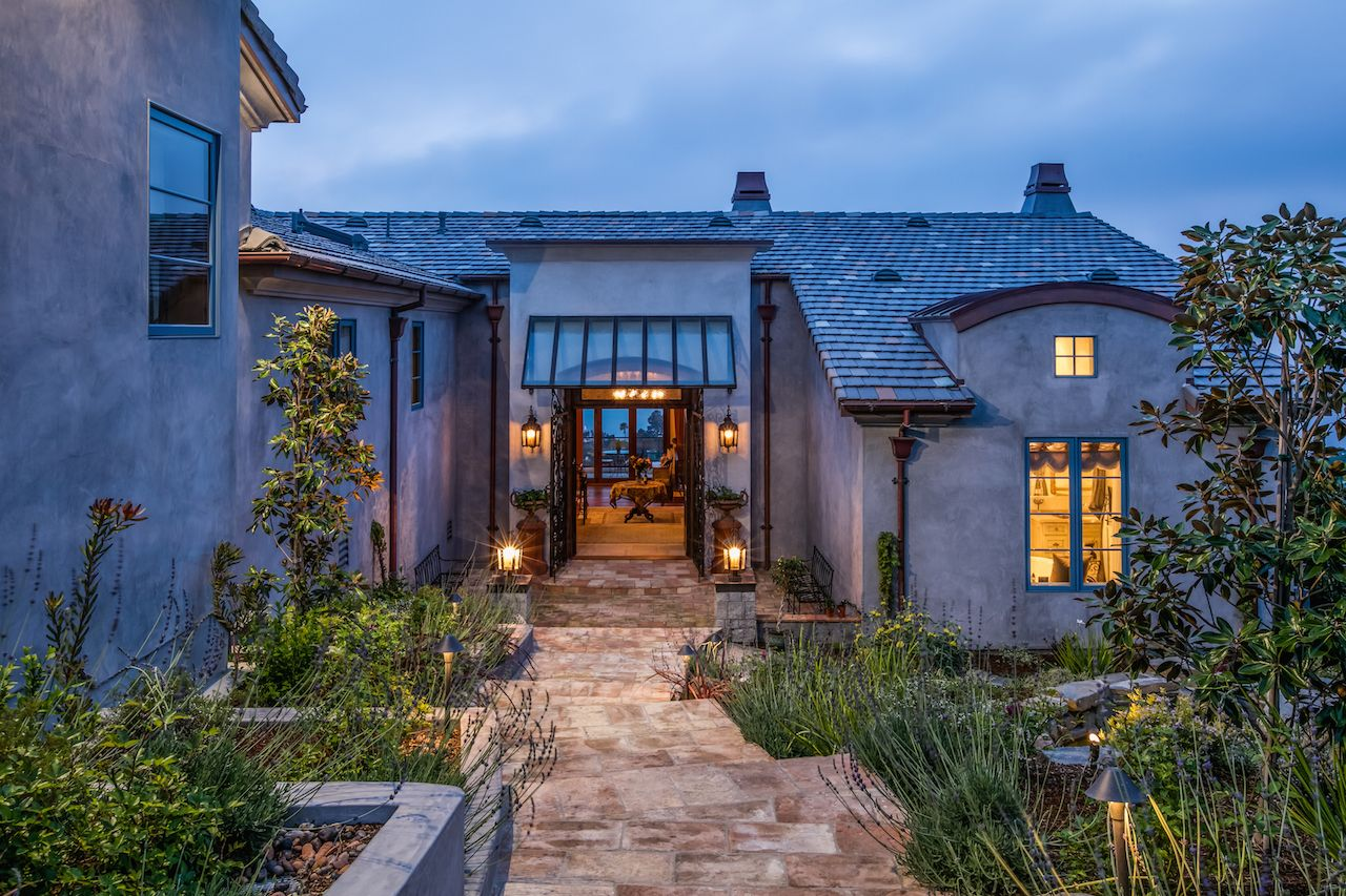 Luxury Homes and Real Estate for Sale Los Angeles