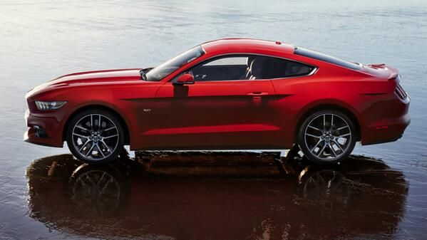 2015 Ford Mustangs Autres Vehicules Other Vehicles Https Fr Pinterest Com Barbierjeanf P 2015 Ford Mustang Mustang Cars Ford Mustang Car