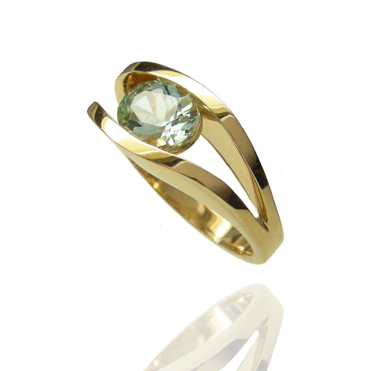 awesome Как выглядит камень берилл? (50 фото) — Его свойства и значение Читай больше http://avrorra.com/kak-vyglyadit-kamen-berill-foto-svojstva-i-znachenie/