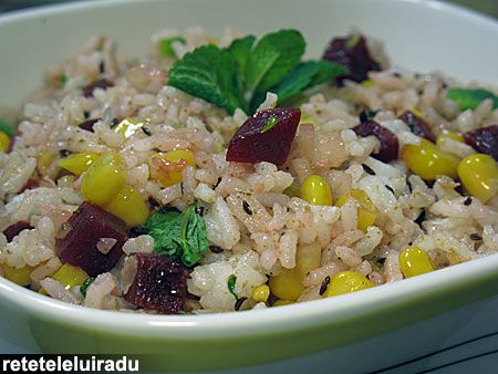 Minted rice with corn, beetroot & spices