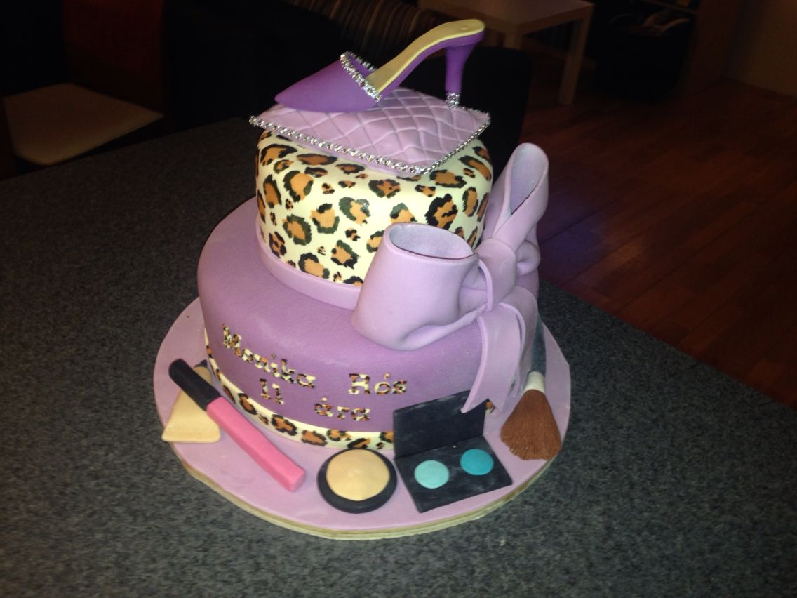 Birthday cake for a 11 year old girl. Kids cakes
