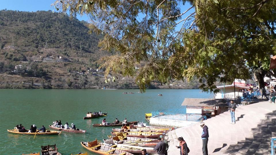 If you're looking for tourist places around Delhi, India that are scenic but not so thronged with travellers, Bhimtal is a good bet. Famous for its picturesque lake with an island in the middle, Bhimtal is located in the #Nainital district of Uttarakhand. Know more : http://goo.gl/8vEHCC