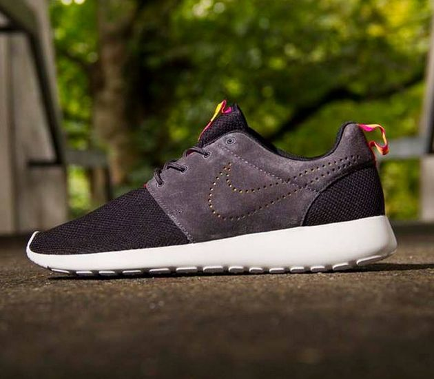 nike roshe run premium nrg qs grey/white cozy