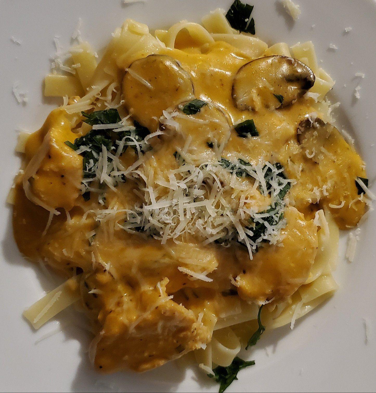 Slow-Cooker Golden Chicken Pasta