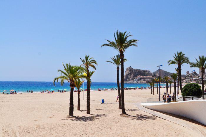 Poniente Beach Benidorm, Spain // Spanje #visitbenidorm #spain #benidorm
