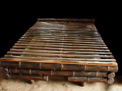 Camas y muebles de bambu para dormitorio | Arte bamboo | Pinterest ...