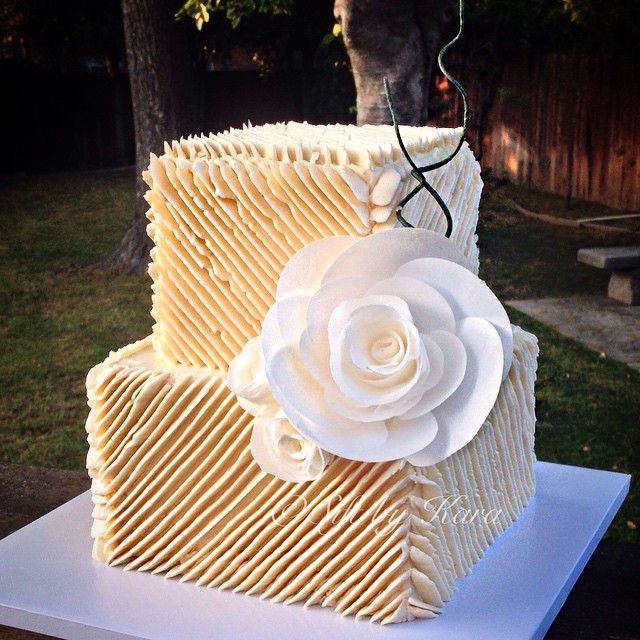 square wedding cakes pinterest square buttercream cake iskanje cakes 20408