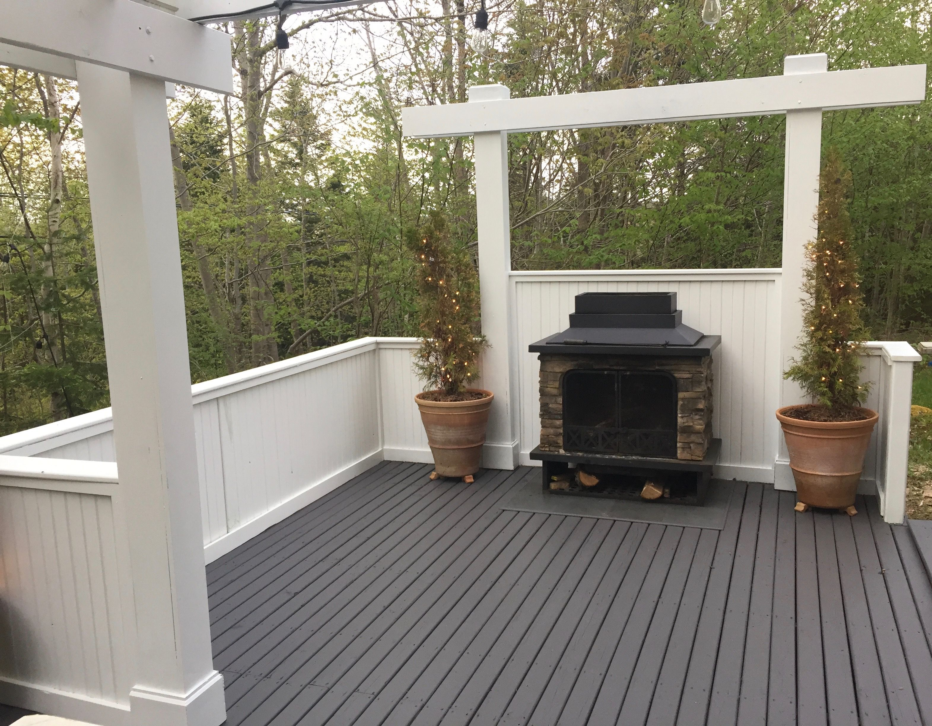 Newly stained deck and painted railing. | Staining deck ...