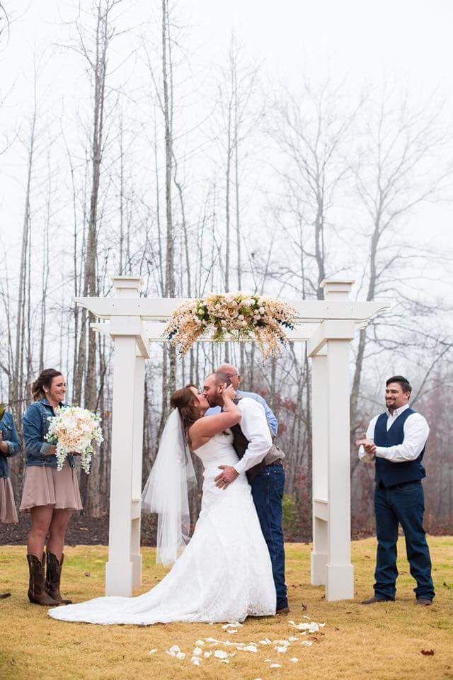 Beautiful farm and wedding venue private setting
