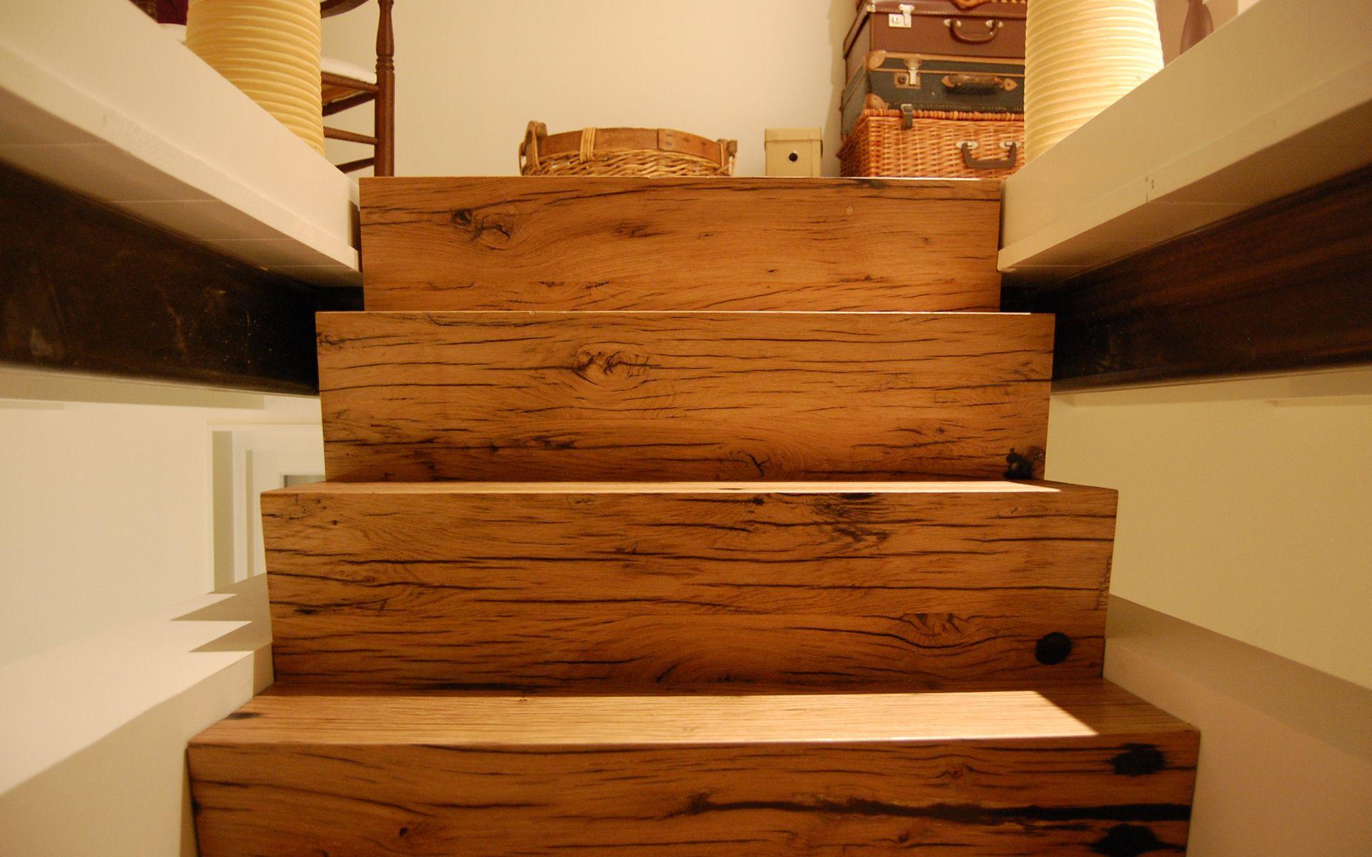 trap gemaakt van geschaafde frans eiken wagonplanken realisatie