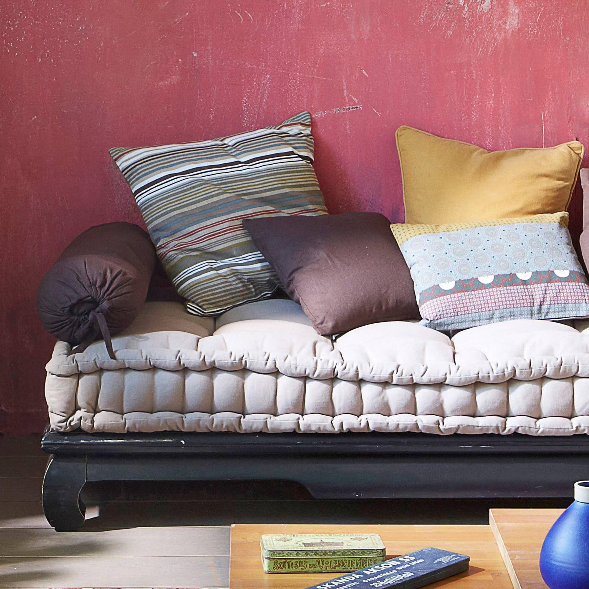 comment faire une housse de matelas pour banquette plutt que de vous dbarrasser duun drap. Black Bedroom Furniture Sets. Home Design Ideas