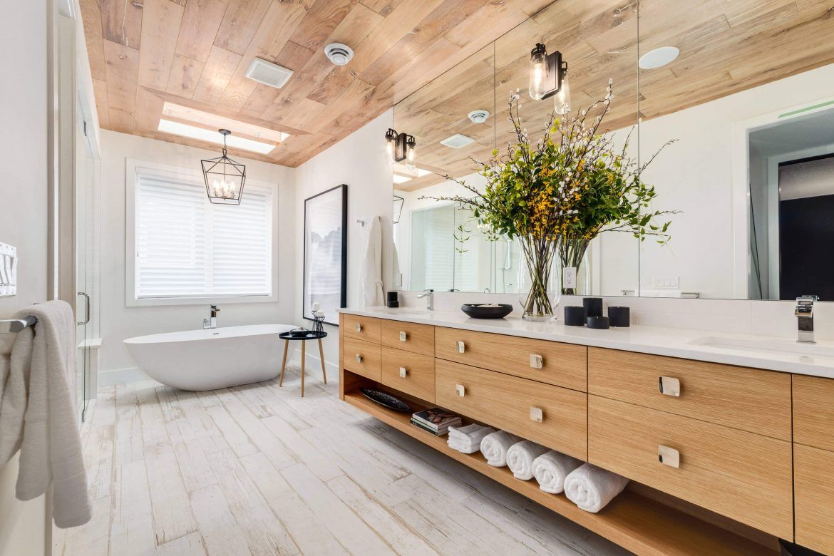Can Laminate Flooring Be Installed In A Bathroom Bathroom Bathroom Interior Bathroom Interior Design Bathroom Layout