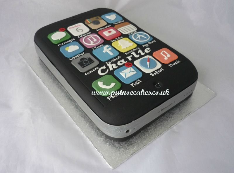 iPhone birthday cake with Snapchat, Twitter, Facebook, App