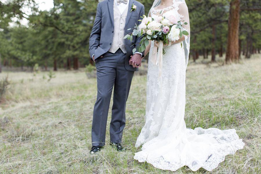 Della Terra Mountain Chateau Wedding   Jessi Dalton Photography   Estes Park, Colorado   Reverie Gallery Wedding Blog