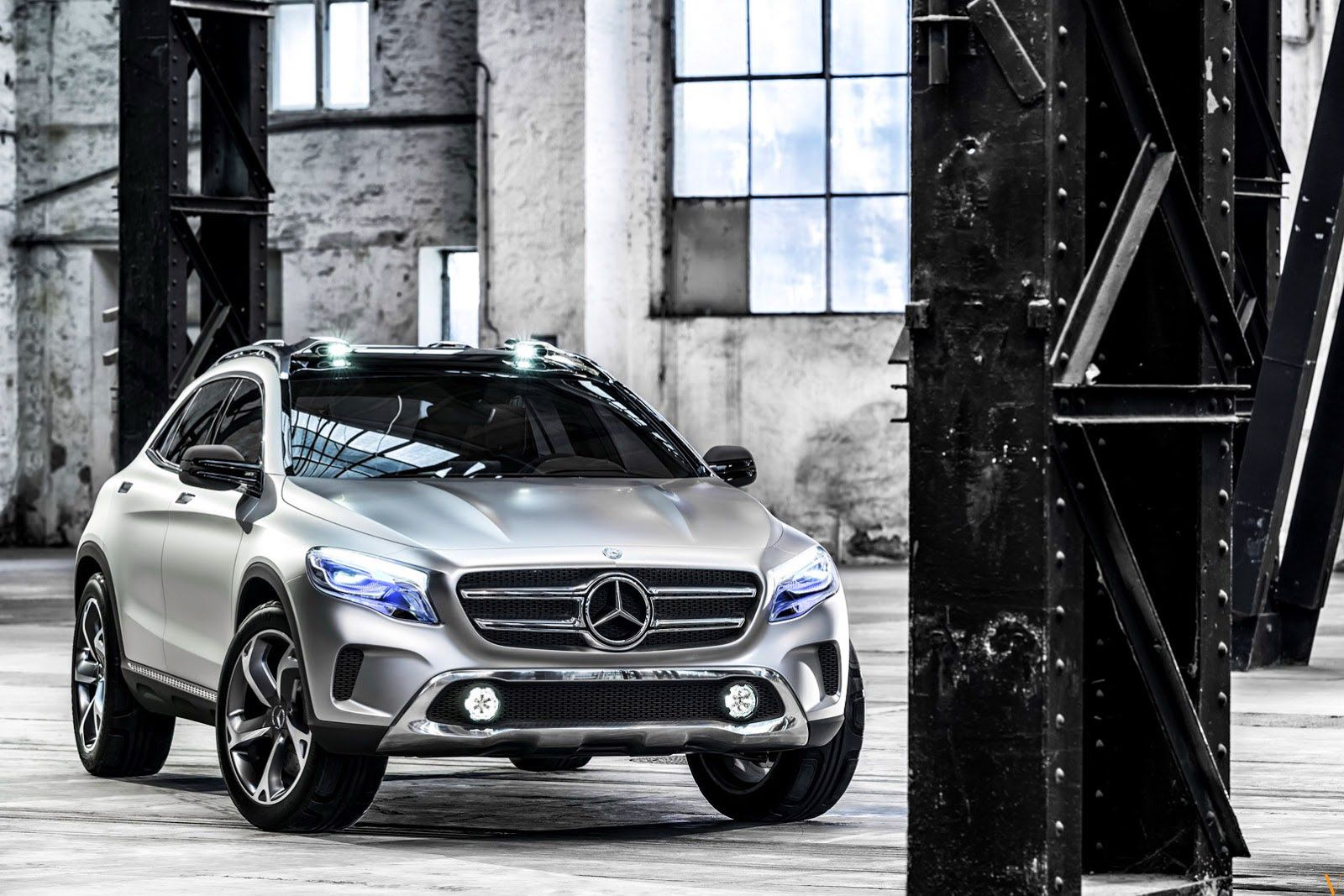 Beautiful Mercedes Benz Gla Compact Luxury Suv 2 0l 4 Cylinder Engine With 7 Speed Dual Clutch Transmission Produc Mercedes Benz Gla Mercedes Suv Mercedes Gla