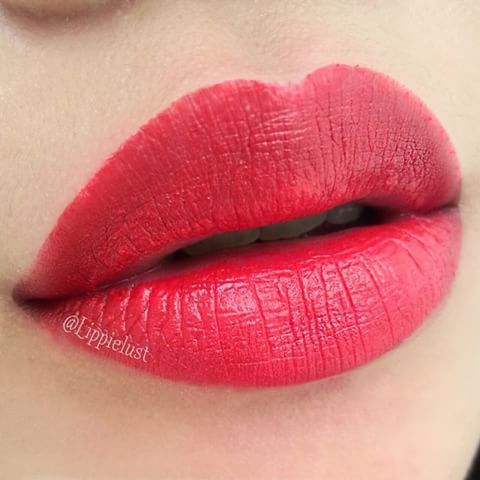 Maybelline Color Sensational Creamy Matte Lipstick In Siren In Scarlet Maybelline Color Sensational Hydrating Lipstick Plum Lips