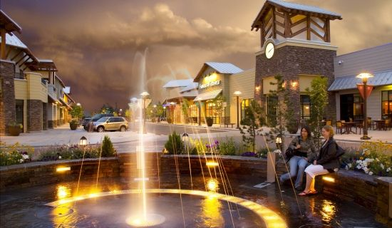 Shop Bend Oregon at Cascade Village Shopping Center. As a destination center, we offer residents and visitors alike plenty of opportunities to Shop, Dine and Unwind. Relax by the outdoor fire pit in the winter after taking a few runs at Mt. Bachelor.