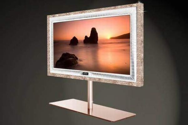 PrestigeHD Supreme Rose Edition comes with a 55 inch screen and the frame of this marvelous television is made in 28 kilograms 18ct rose gold along with 72 flawless 1ct IF diamonds and carries a price tag of an insane $2.25 million.