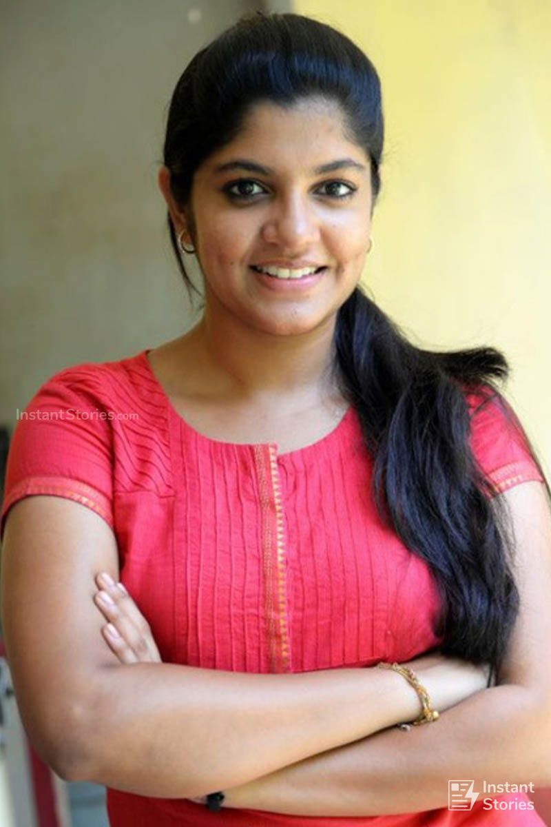 Aparna Balamurali Latest Hot Hd Photos Wallpapers 1080p 4k 13918 Aparnabalamurali Bollywood Hairstyles Beauty Full Girl Rambha Actress