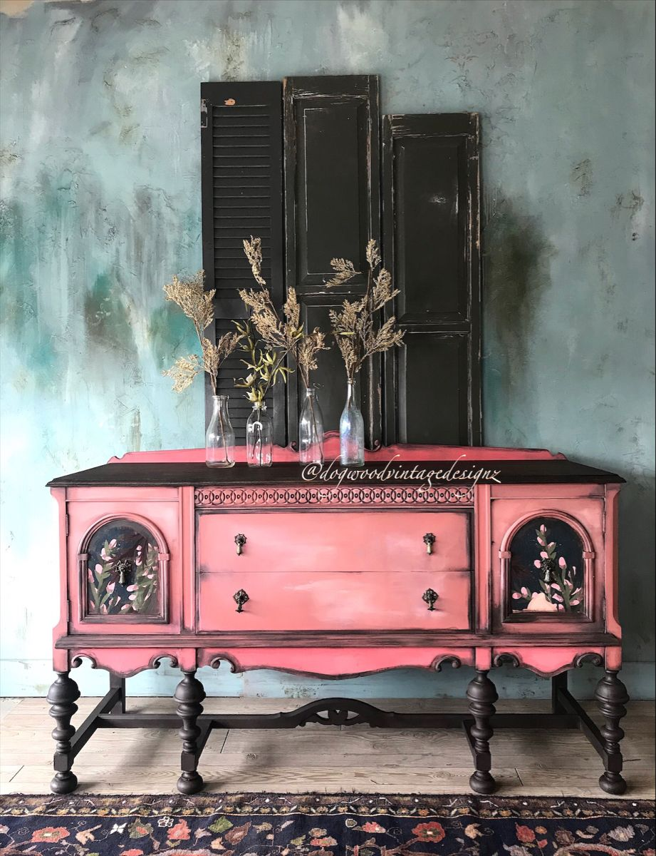#paintedfurniture #furnitureartist #canvasart #anniesloanhome #upcycle #bohemian #layeredpaint #retro #handpainted #modernfarmhouse #grunge #furnitureflip #chateau #eclecticstyle #retro #vintagefurniture #etsyshop #patina #repurposedvintage #artist #cottagestyle #ilovetopaint #georgia #atlanta #artist #bohostyle #stagingforphotos #green #gardens #enchanted
