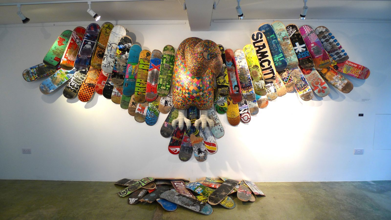 As A Skateboard Enthusiast Haroshi Found It Hard To Let His Old - Self taught woodworker turning old skateboards awesome sculptures