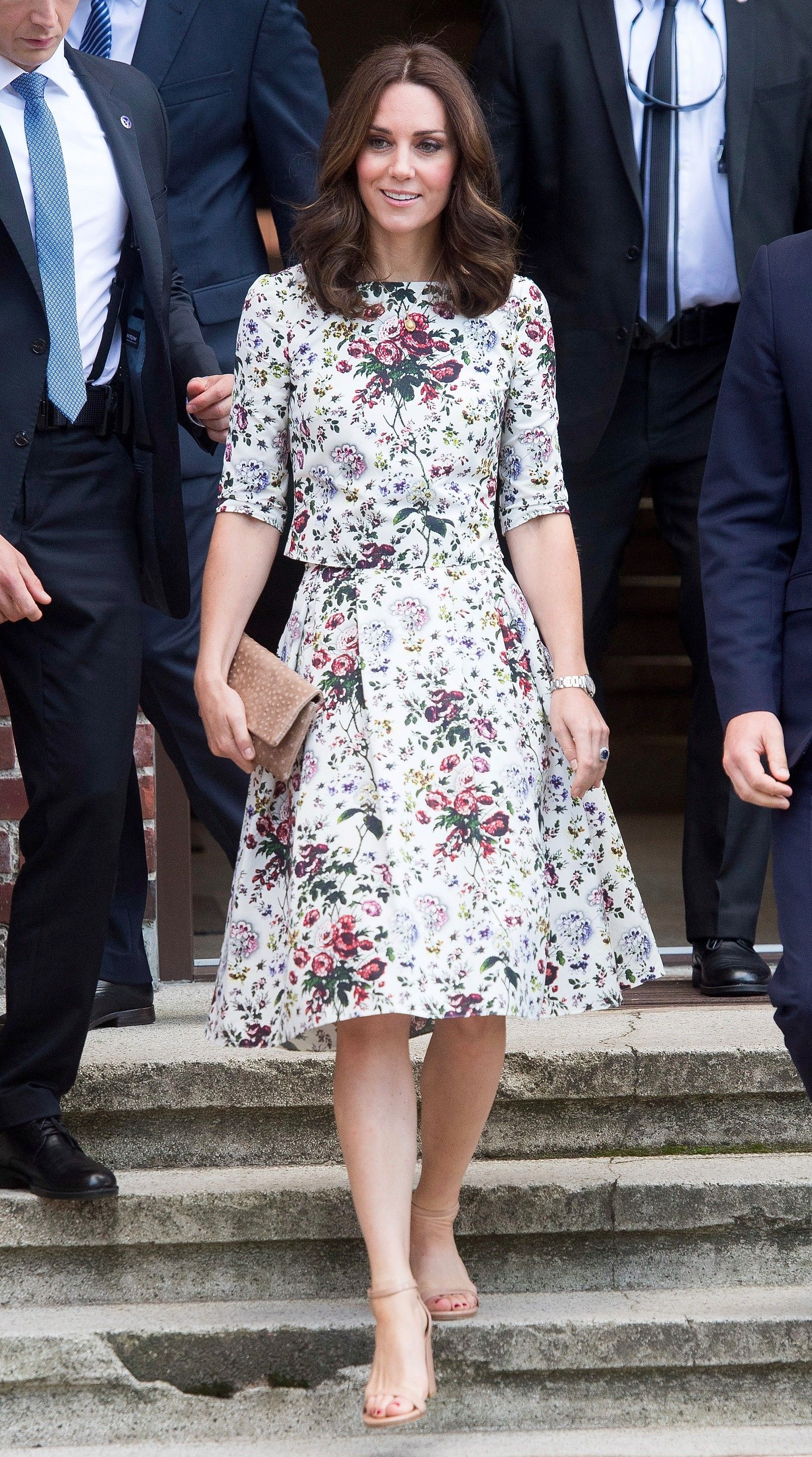 Kate Middletons Floral Summer Set Is So Much Better Than -8345