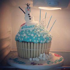 Giant cupcake disney frozen