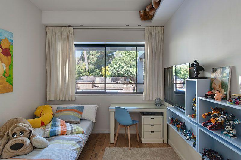 מינימליסטי להפליא: עיצוב בית מודרני ברמת השרון | בניין ודיור