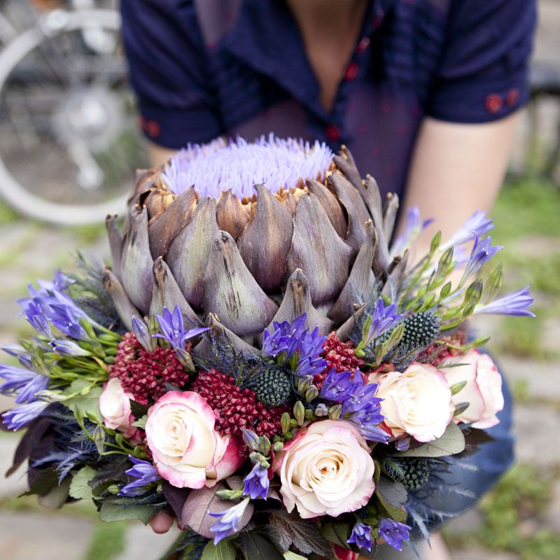 Créez un #bouquet très original avec un artichaut ! | Bouquet mariée, Bouquet et Fleurs de saison