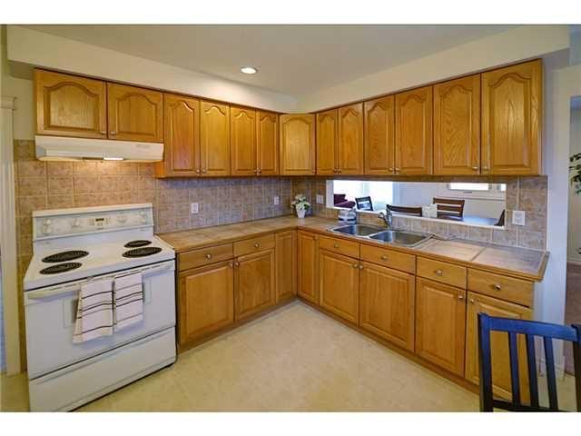 9 BONAVENTURE Drive, HAMILTON. $429,900. Sunday 2-4pm. Listing: http://suttonabouttown.com/open-houses.html/listing.h3202282-9-bonaventure-drive-hamilton-l9c4p4.64727423#viewtop