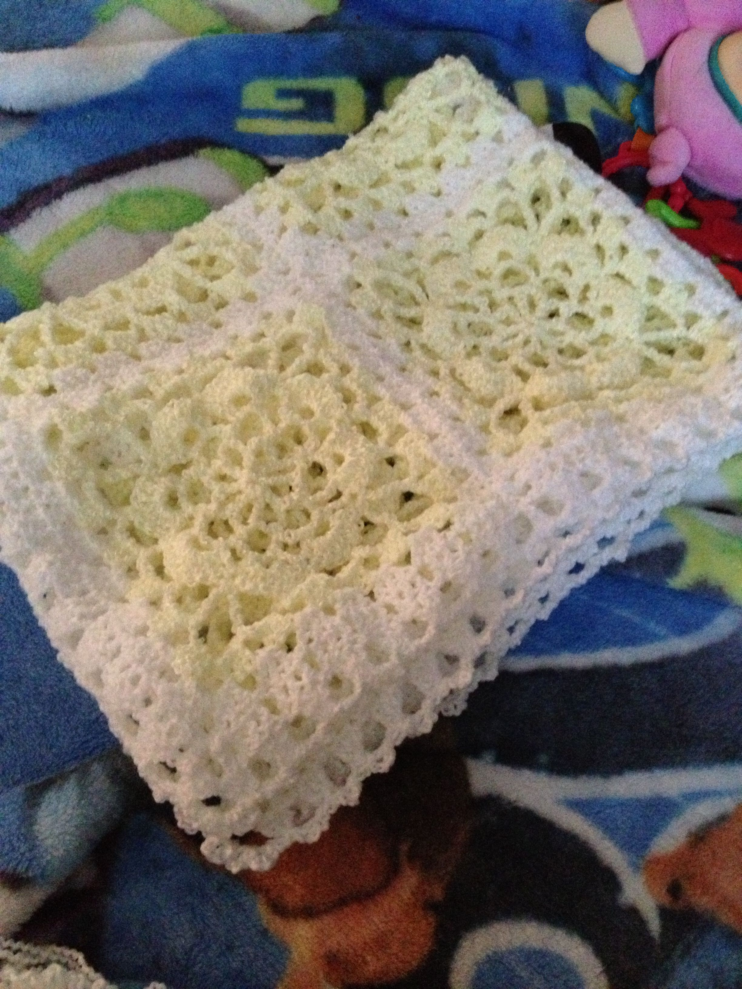 Lacy granny square crochet baby blanket | tejidos | Pinterest ...