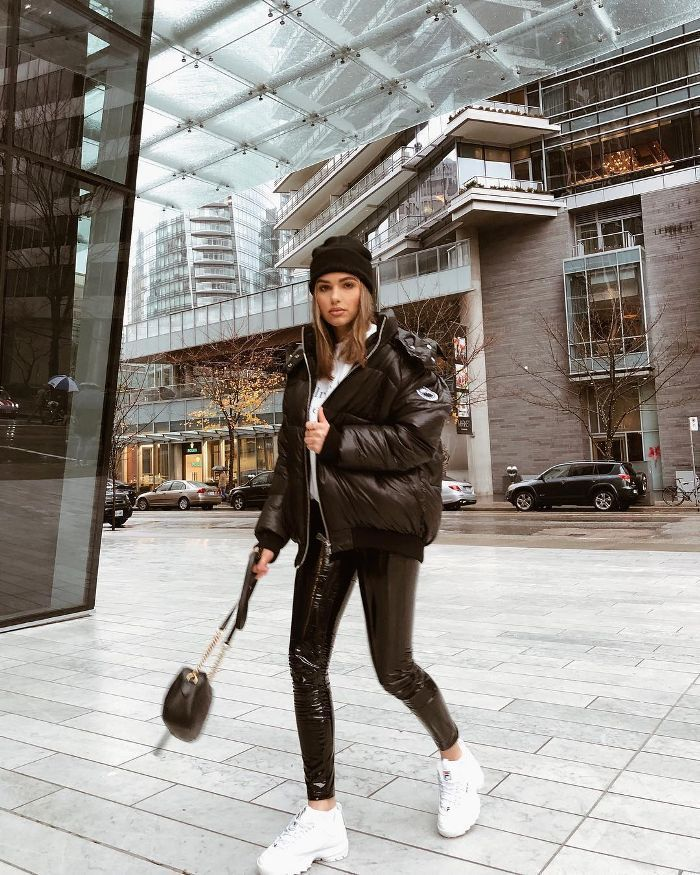 The outerwear trends Our readers can't stop wearing #aufh ...-#aufh #can39t #outerwear #readers #Stop #trends #wearing #winteraesthetic #winterart #winterfashion #winternight #winteroutfits #winterphotography #winterwonderland #womendrawns- The outerwear trends Our readers can't stop wearing #stop #can #reader #Not #oberbekleidungstre