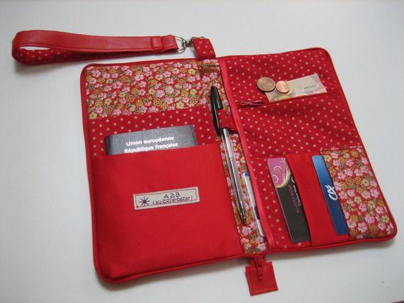 Pochette de voyage ou organiseur de sac en simili cuir rouge