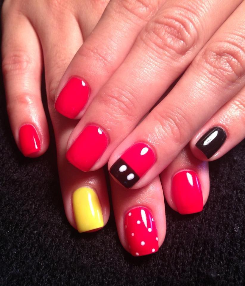 Disney nails @Theresa Businger | hair.makeup.nails | Pinterest ...