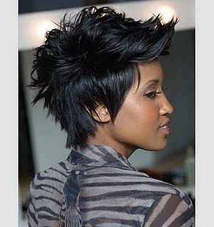 I'm growing out my hair to look like this. I love it!