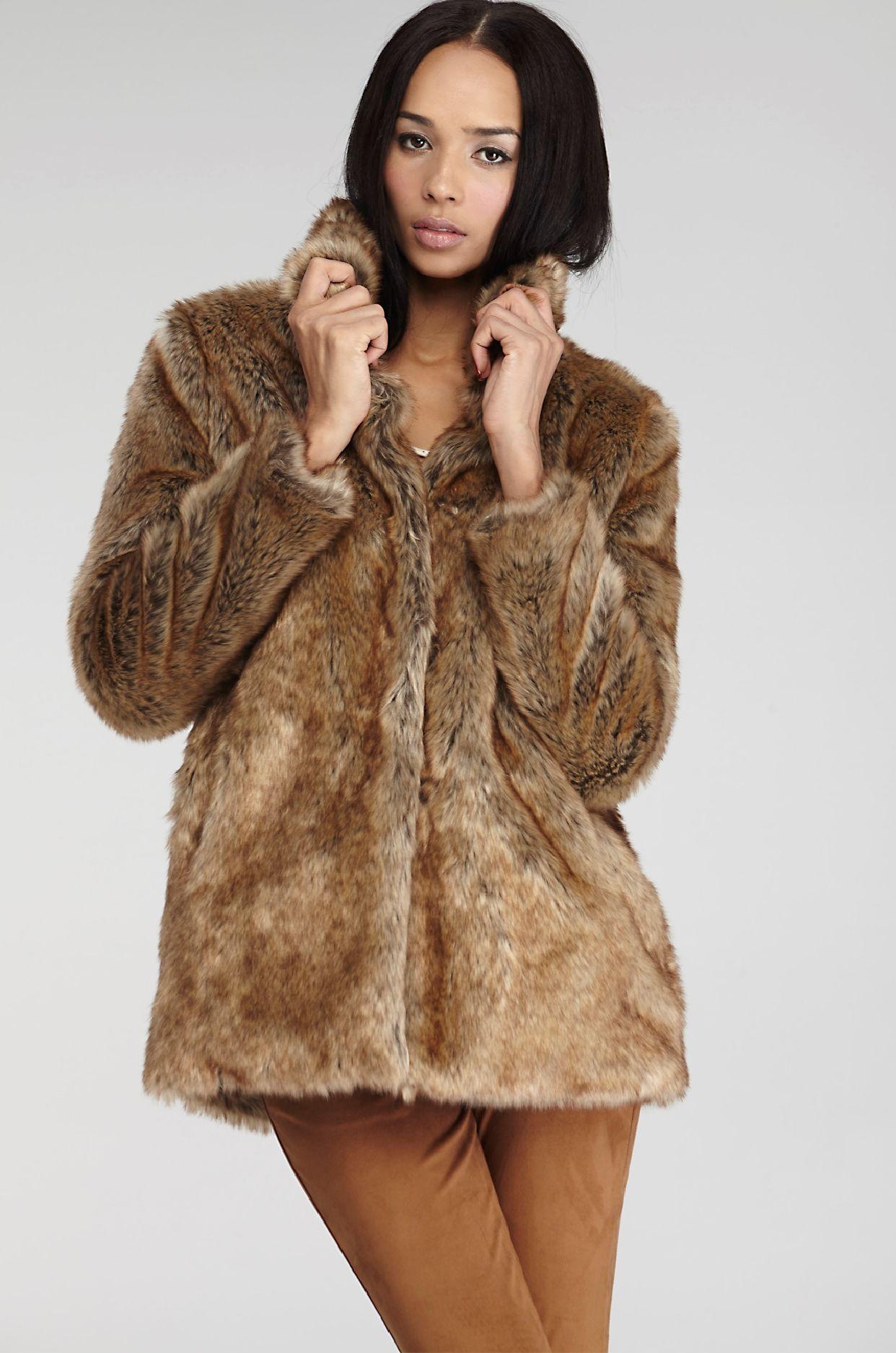 18f04a144 Chaquetón de pelo My Wish List, Furs, Fur Coat, Faux Fur Jacket,