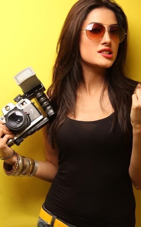 Mehwish hayat beautiful Pakistani actress photos