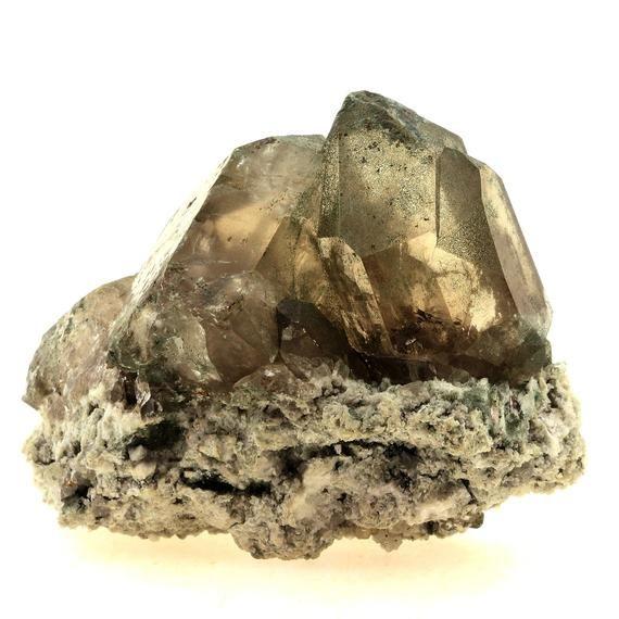 Smoked quartz from Massif Mont Blanc (Talèfre), Chamonix, Haute-Savoie, Auvergne-Rhône-Alpes, France.Comes with certificate of authenticityAverage weight (Carats): 1029.0 ctDimension (mm): 75 x 60 x 45 mmRef: SKU037417