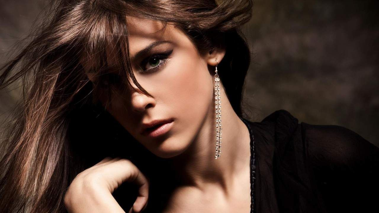 Earrings Beautiful Girl Fashion HD Wallpaper | Hollywood Actress ...