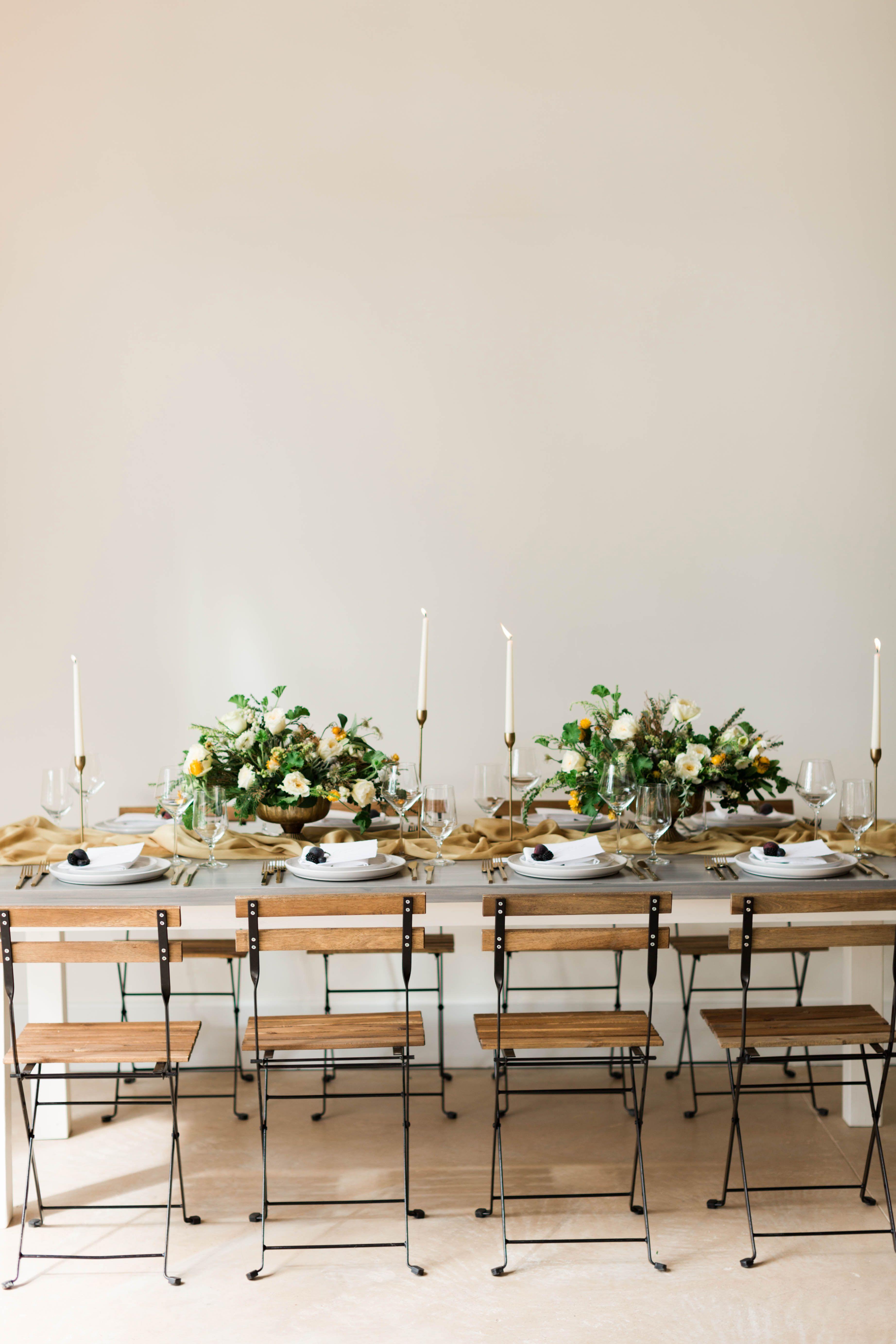 The Ivory Oak Lounge Blue Gradient Blue Wedding Lounge Bee Lavish Bee Lavish Vintage Wedding Rentals Decor Vintage Wedding Rentals Vintage Rentals