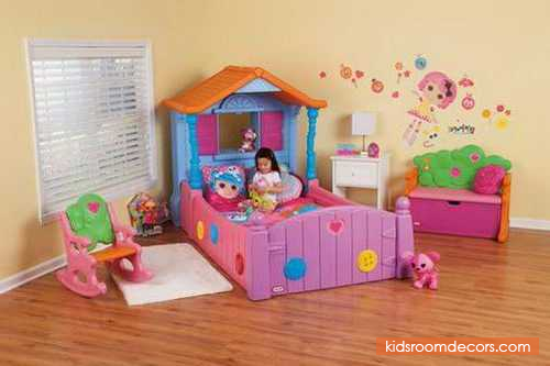 Super Cute TwinSized Bed For Lady With Playhouse Made