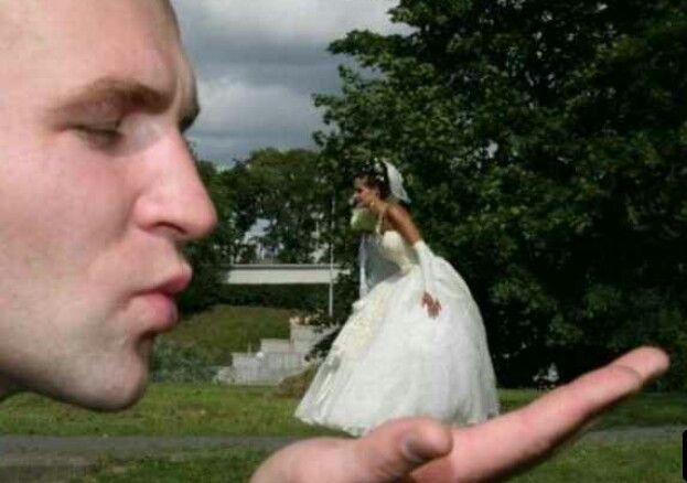Impossibly fun wedding photo idea