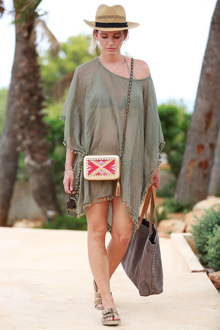 Look: Beach Look Ibiza shwetha bag
