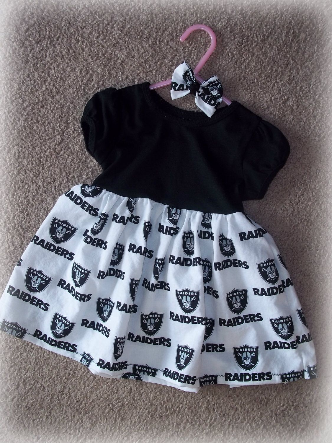 Las Vegas Raiders NFL Little Fan Baby Feeding Bib Infant Toddler Newborn Shower